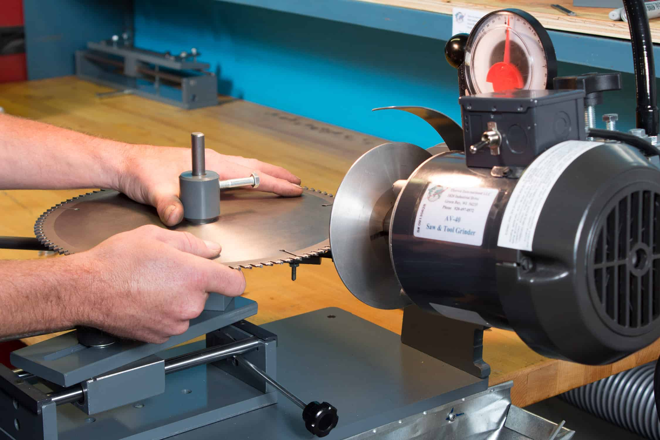 Looking For A Superior Tool Sharpening Machine?