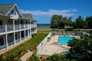 Read more about the article Bay Breeze Resort Lands the Cover of 2016 Wisconsin Lodging Directory