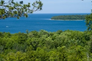 Read more about the article Ephraim Shores Resort and Restaurant Offers Premier Lodging in Door County