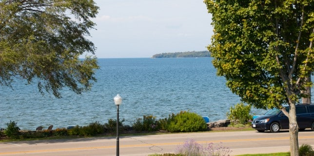 Door County lodging on the water