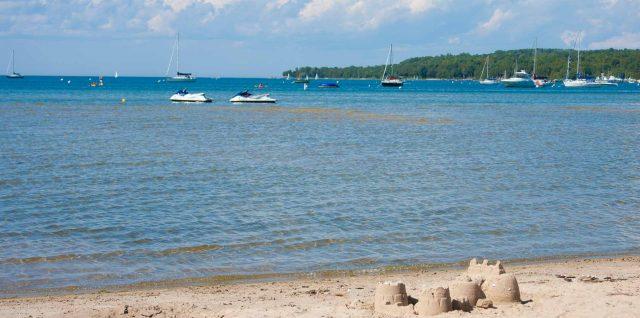 Ephraim beachfront resort - Bay Breeze Resort