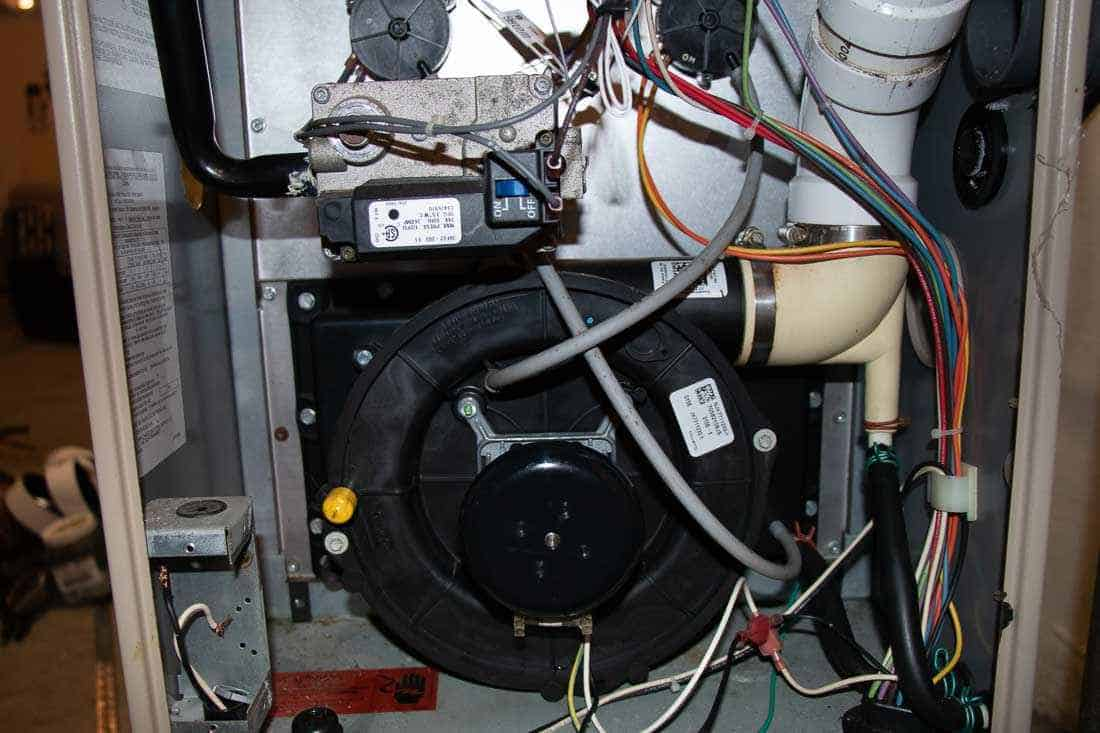 Fall is the best time to schedule your annual furnace maintenance