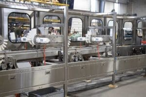 Read more about the article Conveyor lane diverters maximize downstream production resources